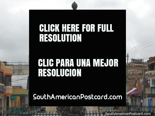 O monumento das pessoas de Tulcan que lutaram pela democracia. (640x480px). Equador, América do Sul.