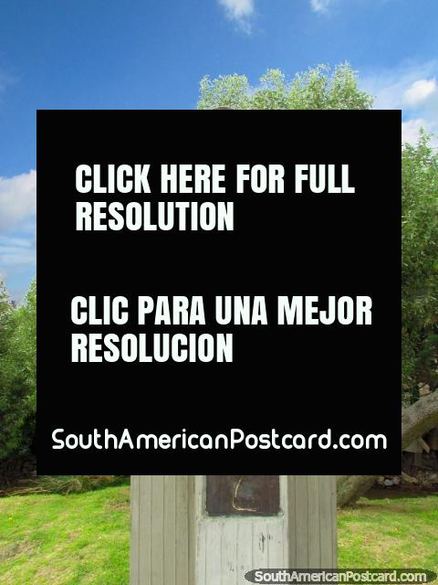 Estátua de Dolores Cacuango em Cayambe. (480x640px). Equador, América do Sul.