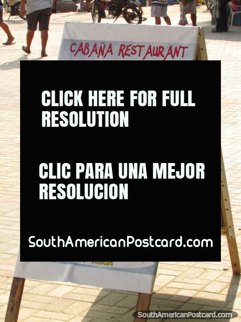 Un menú del restaurante de comidas de pescado en Playa Tarqui, Manta. (480x640px). Ecuador, Sudamerica.