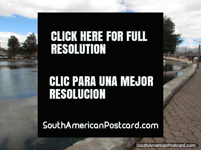 Park in Latacunga with a lagoon - Parque Nautico la Laguna. (640x480px). Ecuador, South America.