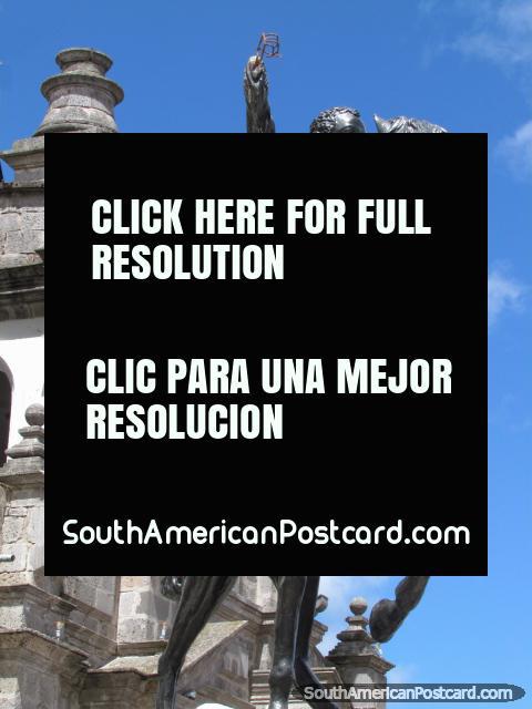 Simon Bolivar on his black horse, monument in Latacunga, Plazoleta Simon Bolivar. (480x640px). Ecuador, South America.