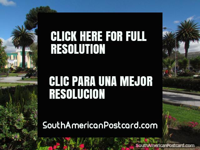 Los jardines hermosos en parque vicente leon en latacunga 640x480px foto de ecuador sudamerica - Esquelas leon los jardines ...