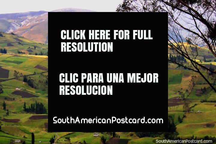 Beautiful green land as we descend into the valley of Guaranda. (720x480px). Ecuador, South America.