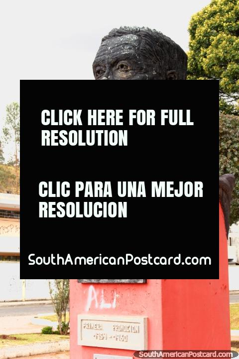 Homero Vasconez Benavides bust, founder of the college in Guaranda. (480x720px). Ecuador, South America.