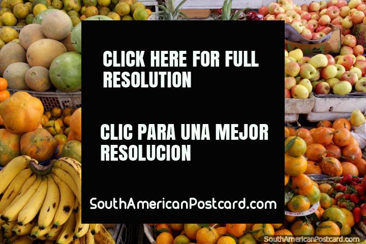 Fruit at the market, Mercado San Alfonso in Riobamba. (720x480px). Ecuador, South America.