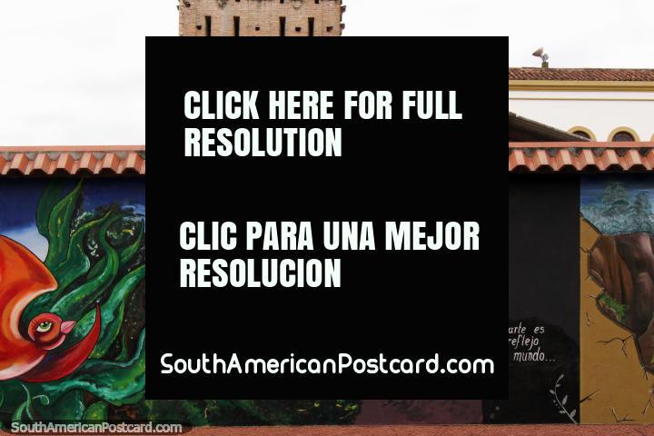 Mural en Cuenca, el arte es un reflejo del mundo. (720x480px). Ecuador, Sudamerica.