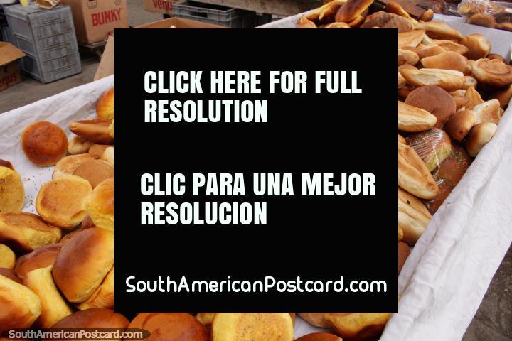 Fresh bread rolls for sale at Plaza Kennedy in Saquisili. (720x480px). Ecuador, South America.