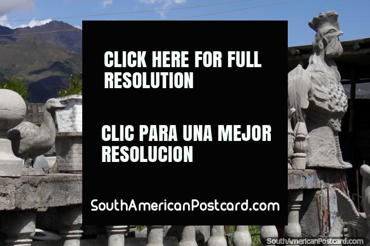 Frangos, flamingos e patos, trabalhos de pedra, Machachi. (720x480px). Equador, América do Sul.