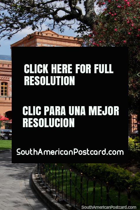 Centro cultural em Ibarra com oficinas educativas cada domingo -  (480x720px). Equador, América do Sul.