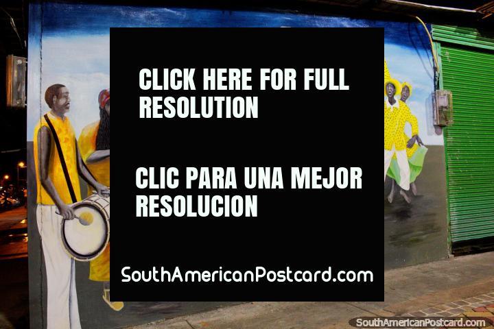 Os ritmos afros e equatorianos executaram com marimba e percussão, mural em San Lorenzo. (720x480px). Equador, América do Sul.
