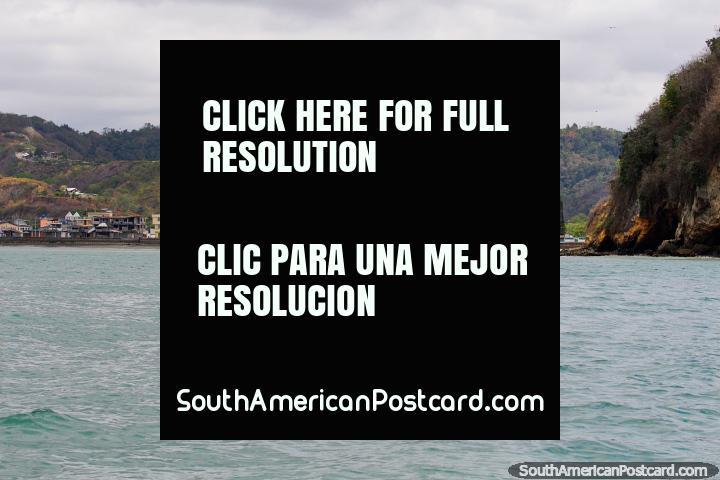 Sua Beach, smaller, quieter, cheaper and more laid-back than Atacames. (720x480px). Ecuador, South America.