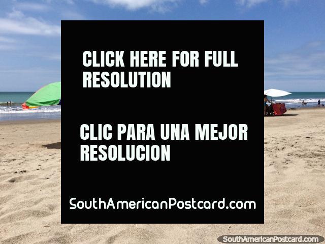 Sand, sun and sea at Atacames Beach, 45mins south of Esmeraldas, beautiful. (640x480px). Ecuador, South America.