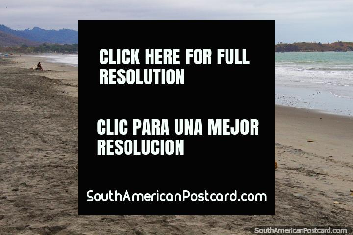 Playa de Pedernales, se ve bastante bien desde donde estoy parado. (720x480px). Ecuador, Sudamerica.