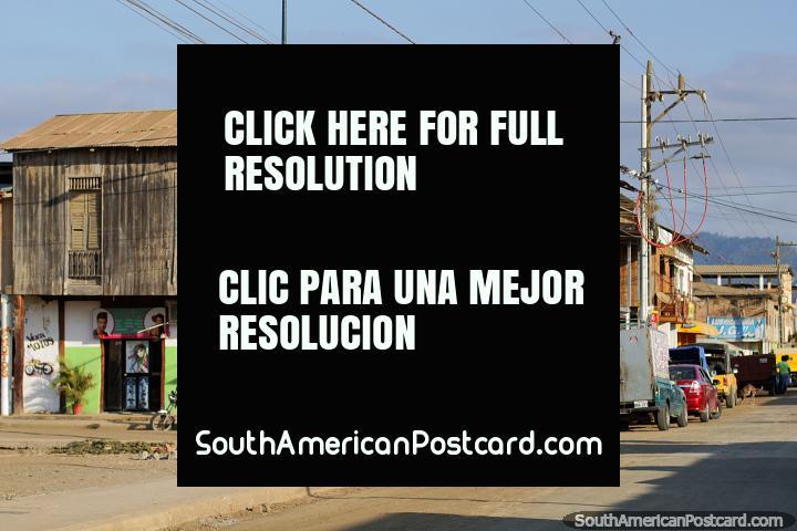 Jama caracteriza-se por alguns velhos edifïcios de madeira na cidade. (720x480px). Equador, América do Sul.