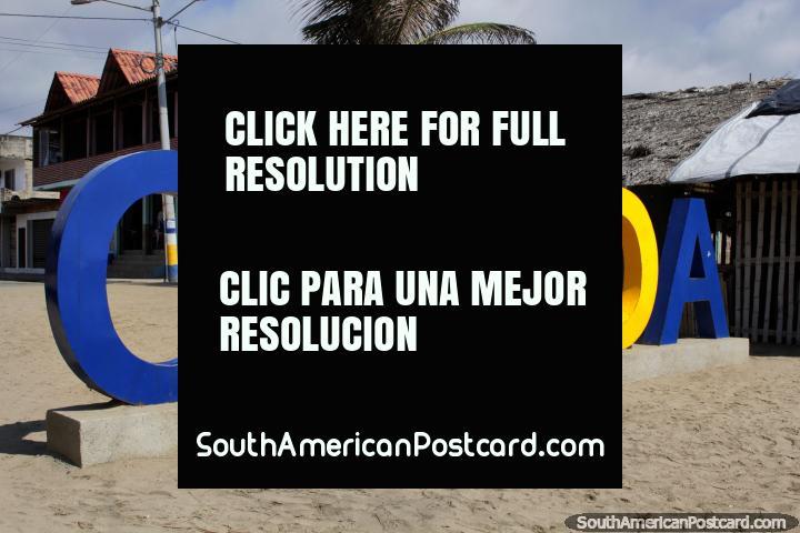 Em caso de que esquece onde é, os lugares no Equador têm grandes sinais dizendo você, Canoa. (720x480px). Equador, América do Sul.