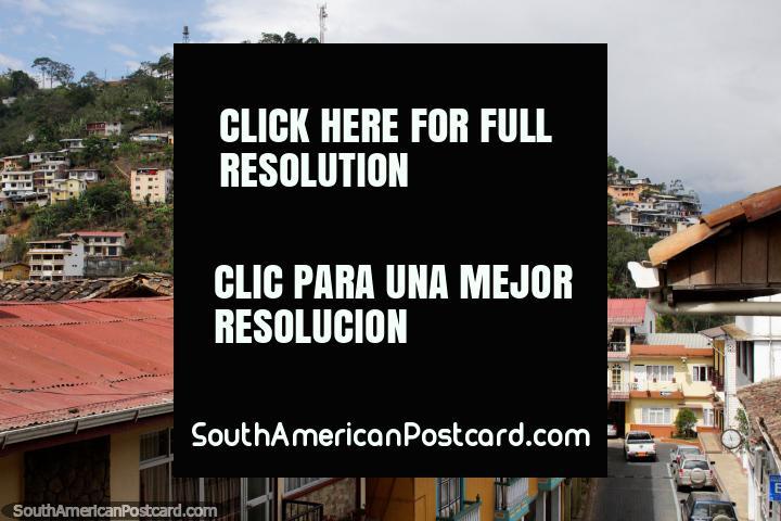 Colina com casas, examine da praça pública principal em Zaruma. (720x480px). Equador, América do Sul.