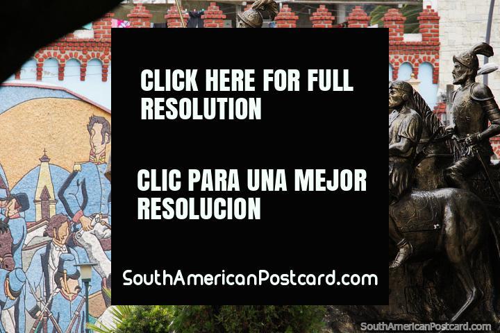 Bronze men on horses, to Juan Salinas of Loyola (1492-1582), amazing monument in Loja. (720x480px). Ecuador, South America.