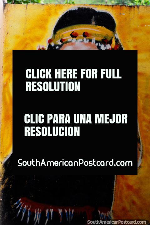 Niña indígena con diadema amarilla riendo, mural en Limón. (480x720px). Ecuador, Sudamerica.
