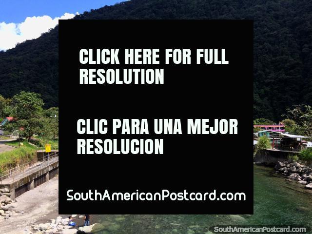 Rio Verde downhill from Banos where the Pastaza River powers straight through. (640x480px). Ecuador, South America.