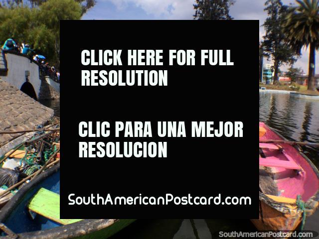 Divirta-se em Quito, alugue um escaler na lagoa em Parque La Alameda. (640x480px). Equador, América do Sul.