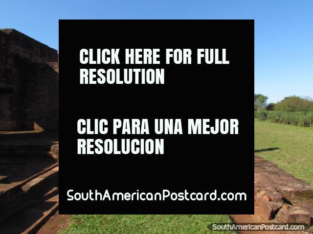 The Jesuit ruins at Jesus of Tavarangue, a fun place to explore. (640x480px). Paraguay, South America.