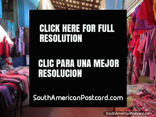 Ropa para venta en los mercados de Paraguari. (640x480px). Paraguay, Sudamerica.
