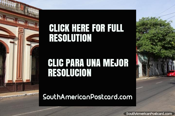 Edificios históricos con arcos y diseños agradables en Asunción. (720x480px). Paraguay, Sudamerica.