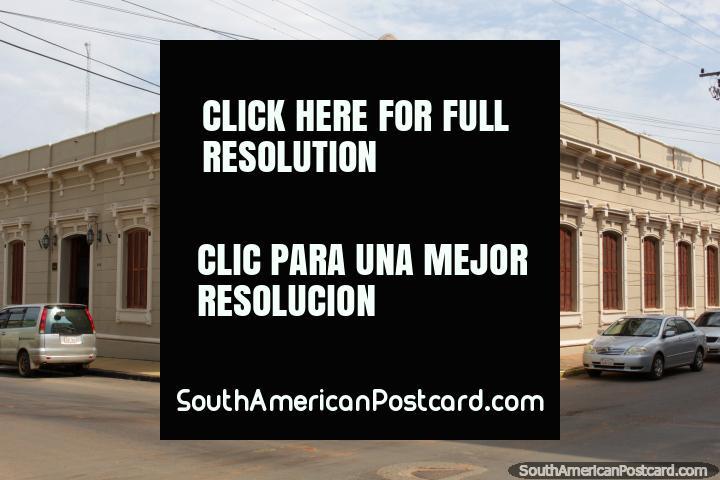 Club El Porvenir Guaireño (1888), edificio histórico en Villarrica. (720x480px). Paraguay, Sudamerica.