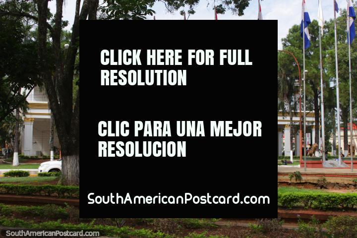 Municipalidad de Villarrica, um edifïcio muito de prestïgio em Villarrica, junto de Praça dos Heroes. (720x480px). Paraguai, América do Sul.
