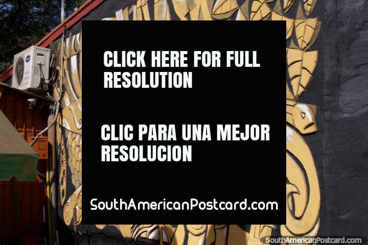 Ilustraciones hechas de piedra, tallados, hermoso, caras y pescado, Ciudad del Este. (720x480px). Paraguay, Sudamerica.