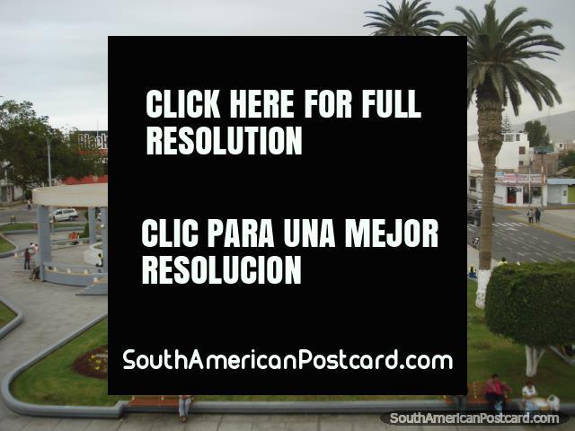 The plaza in Camana, picture 2. (640x480px). Peru, South America.