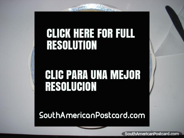 La mejor sopa en Sudamérica está en Camana, carne, patata, fideos, cebolla, jengibre... ¡Restaurant El Pacifico! (640x480px). Perú, Sudamerica.