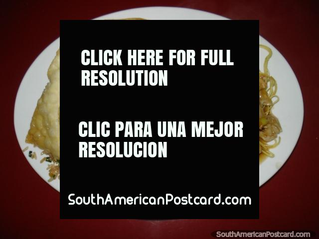 Comida chinesa em Camana em restaurante Chifa Kwang Chow. (640x480px). Peru, América do Sul.
