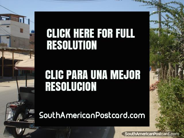 El camino que conduce a Mancora desde el sur. (640x480px). Perú, Sudamerica.