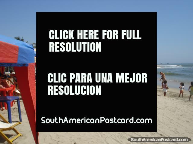 A praia de Mancora tem a bela areia branca. (640x480px). Peru, América do Sul.