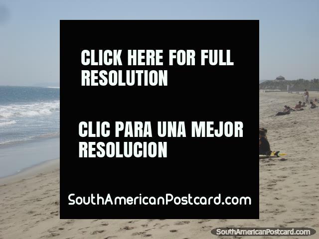 Olhar em direção ao fim do norte de praia de Mancora do Mar. (640x480px). Peru, América do Sul.