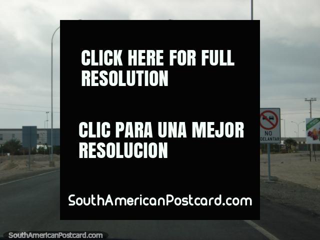 The Chile passport control north of Arica, heading to Tacna. (640x480px). Peru, South America.