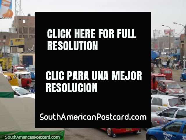 Chincha Alta and its crazy traffic. (640x480px). Peru, South America.
