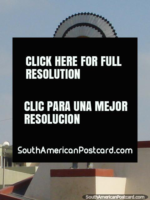 Monumento a Sipan em Chiclayo, fechar. (480x640px). Peru, América do Sul.
