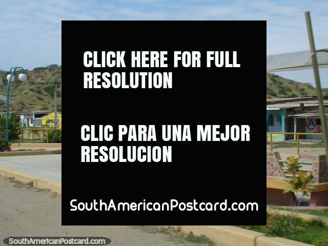 Fonte de delfim em um lugar chamado Acapulco ao sul de Zorritos. (640x480px). Peru, América do Sul.