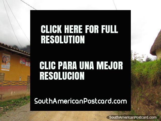 Passing through Choctamal on the way to Kuelap. (640x480px). Peru, South America.