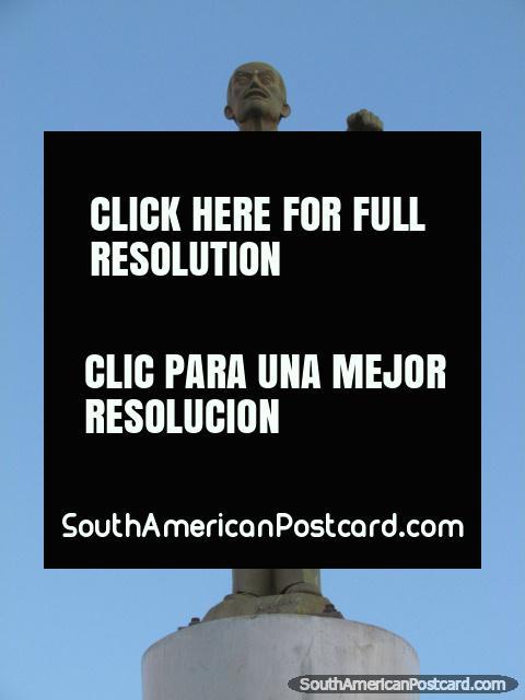 Hat seller Augusto G. Gil Velasquez, monument in Celendin. (480x640px). Peru, South America.