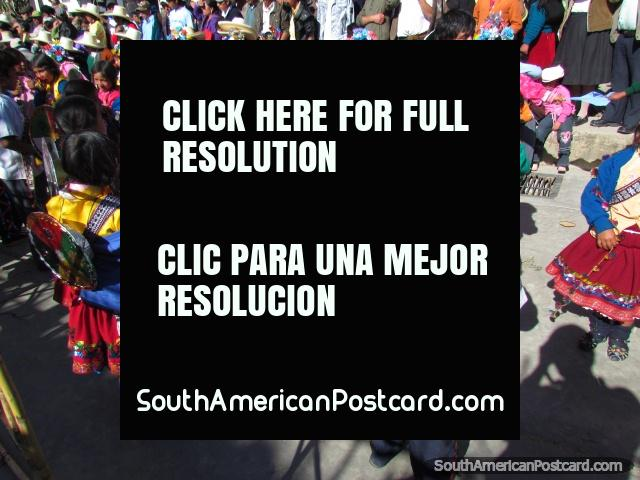 Crianças de Huamachuco em 458as celebrações de aniversário da cidade. (640x480px). Peru, América do Sul.