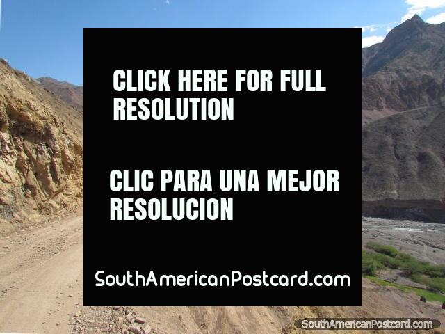 The road to Chuquicara runs beside the river from Pallasca. (640x480px). Peru, South America.