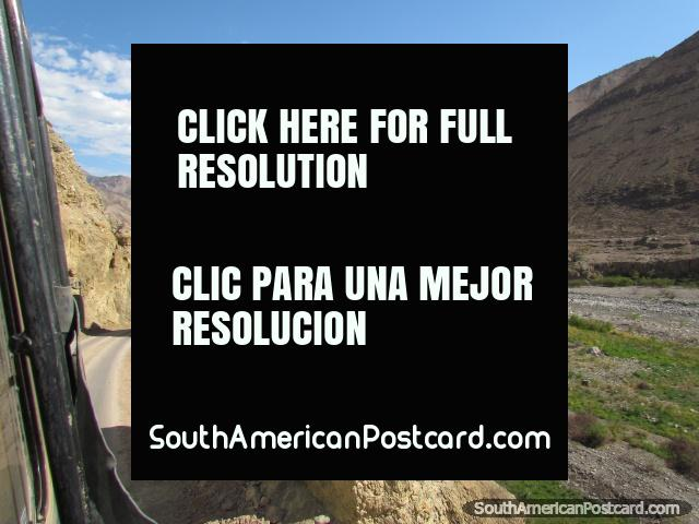 Getting closer to Chuquicara on the road from Pallasca. (640x480px). Peru, South America.