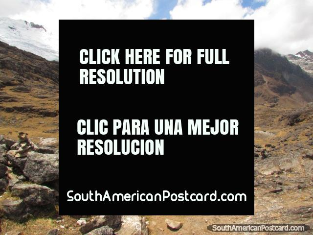 Looking towards the lagoon and snow at Huaytapallana, Huancayo. (640x480px). Peru, South America.