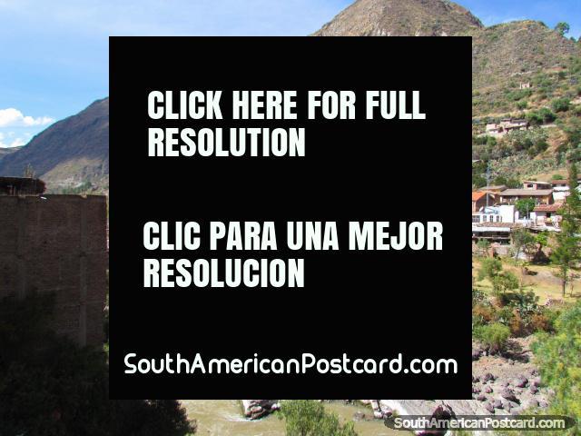 Escena pintoresca de la ciudad de Izcuchaca entre Huancayo y Ayacucho. (640x480px). Perú, Sudamerica.