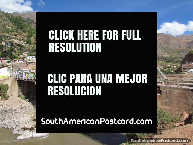The 2nd bridge across the river in Izcuchaca. (640x480px). Peru, South America.