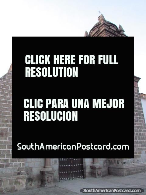 Church San Francisco de Asis (1552) in Ayacucho. (480x640px). Peru, South America.