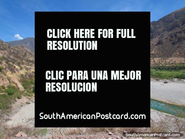 The Rio Pampas at Airabamba between Ayacucho and Andahuaylas. (640x480px). Peru, South America.